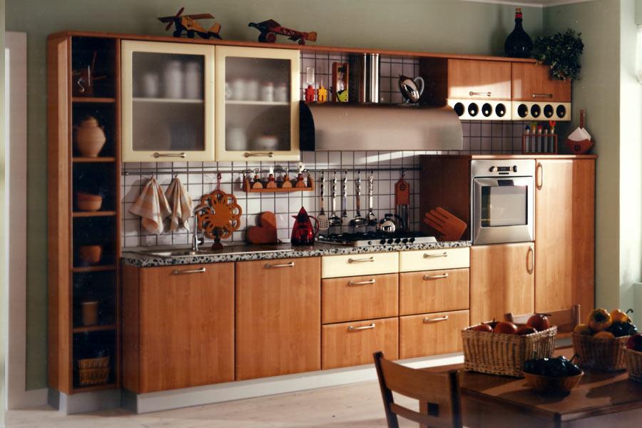 Cucine artigianali su misura in legno massiccio naturale cucine classiche rustiche moderne in - Pulire mobili legno cucina ...